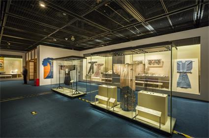 Capital museum china Demountable modular Museum Freestanding glass display case style