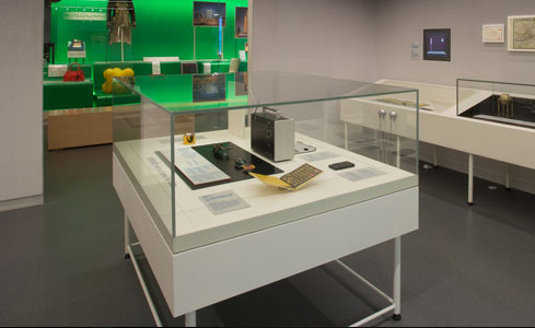 V&A gallery at Design Society, Shekou Museum Five sided glass freestanding table top display cases