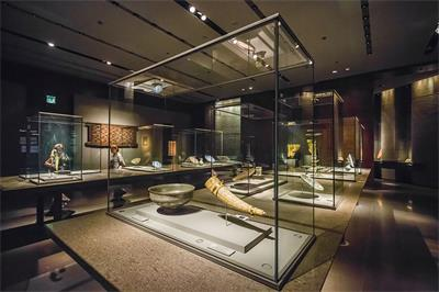 display case for silver-Museum of Islamic Art, Doha