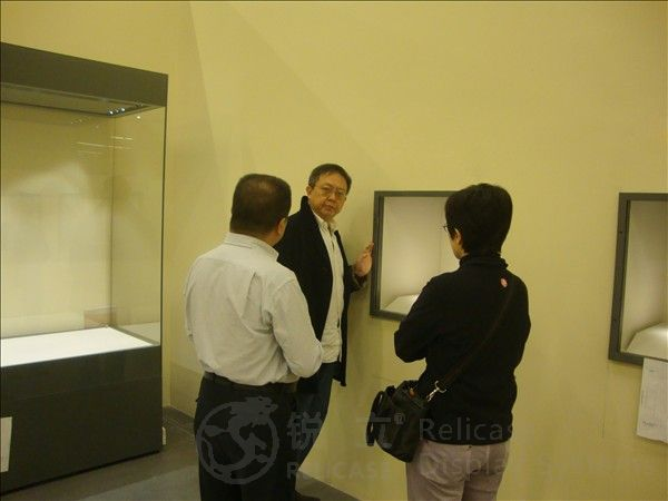 Hong Kong director studied museum display cases