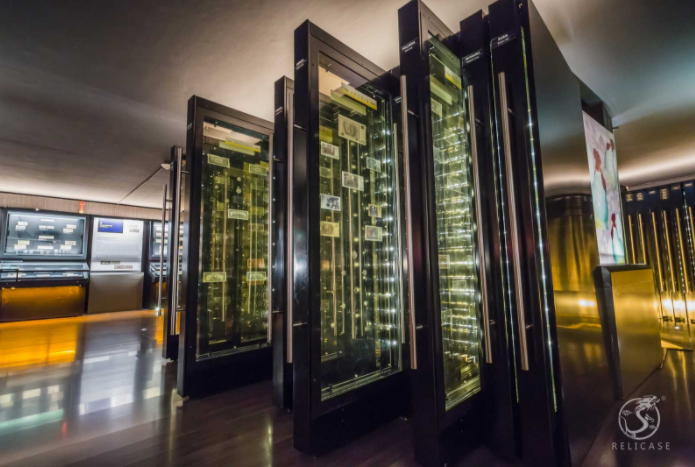 We worked with BD & A designed more than 86 display cases with drawers  for Bank Indonesia Museum